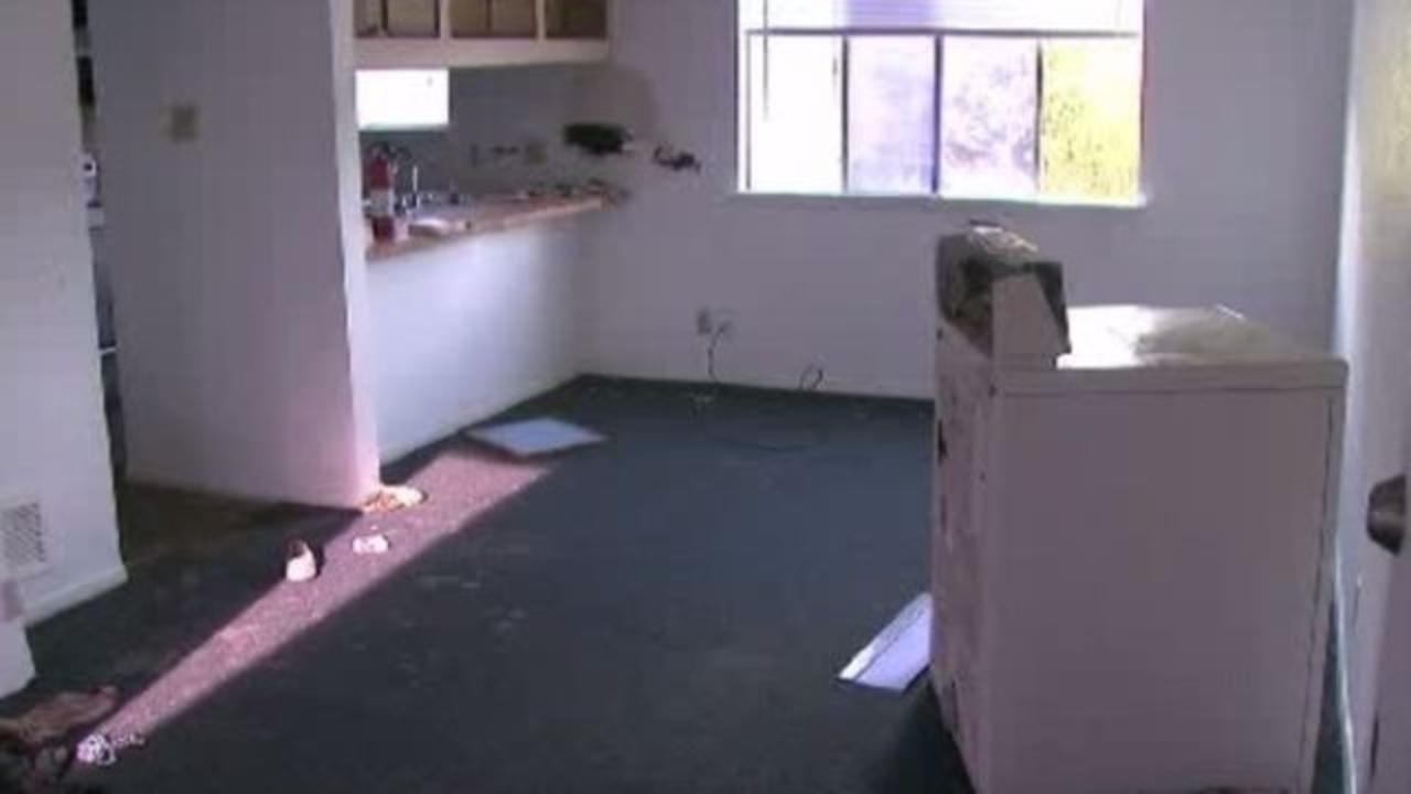 inspectors deem la porte apartment complex dangerous. Black Bedroom Furniture Sets. Home Design Ideas