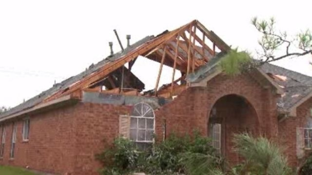 La porte residents cleanup after tornado damages at least for Houston la porte
