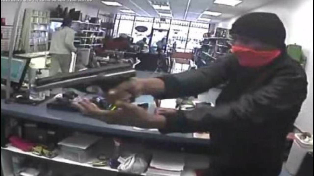 pawnshop robbery An investigation conducted by copperas cove, killeen, and harker heights police departments determined there were three suspects involved in the robbery.