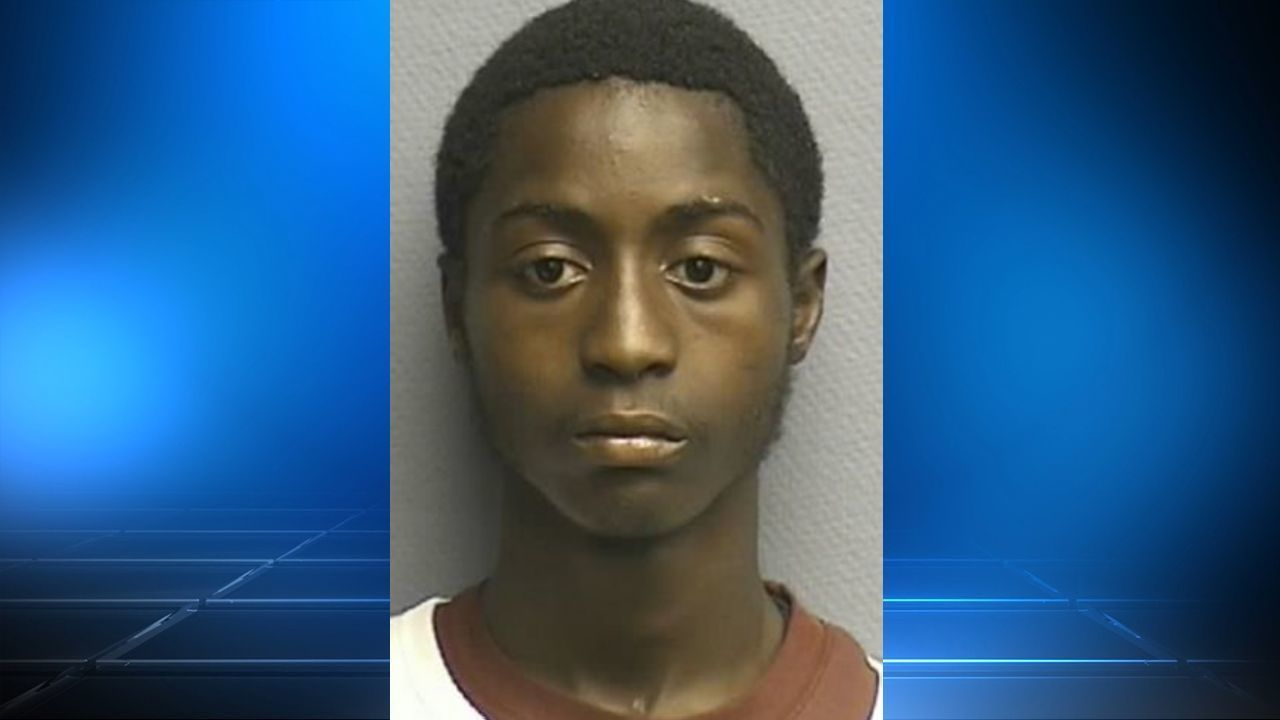 Naked East Texas man says mom gave him meth - Houston