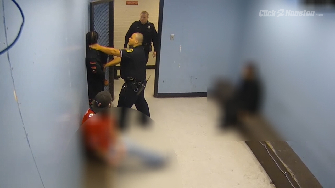 Inmate sues officer, city over alleged beating inside Houston