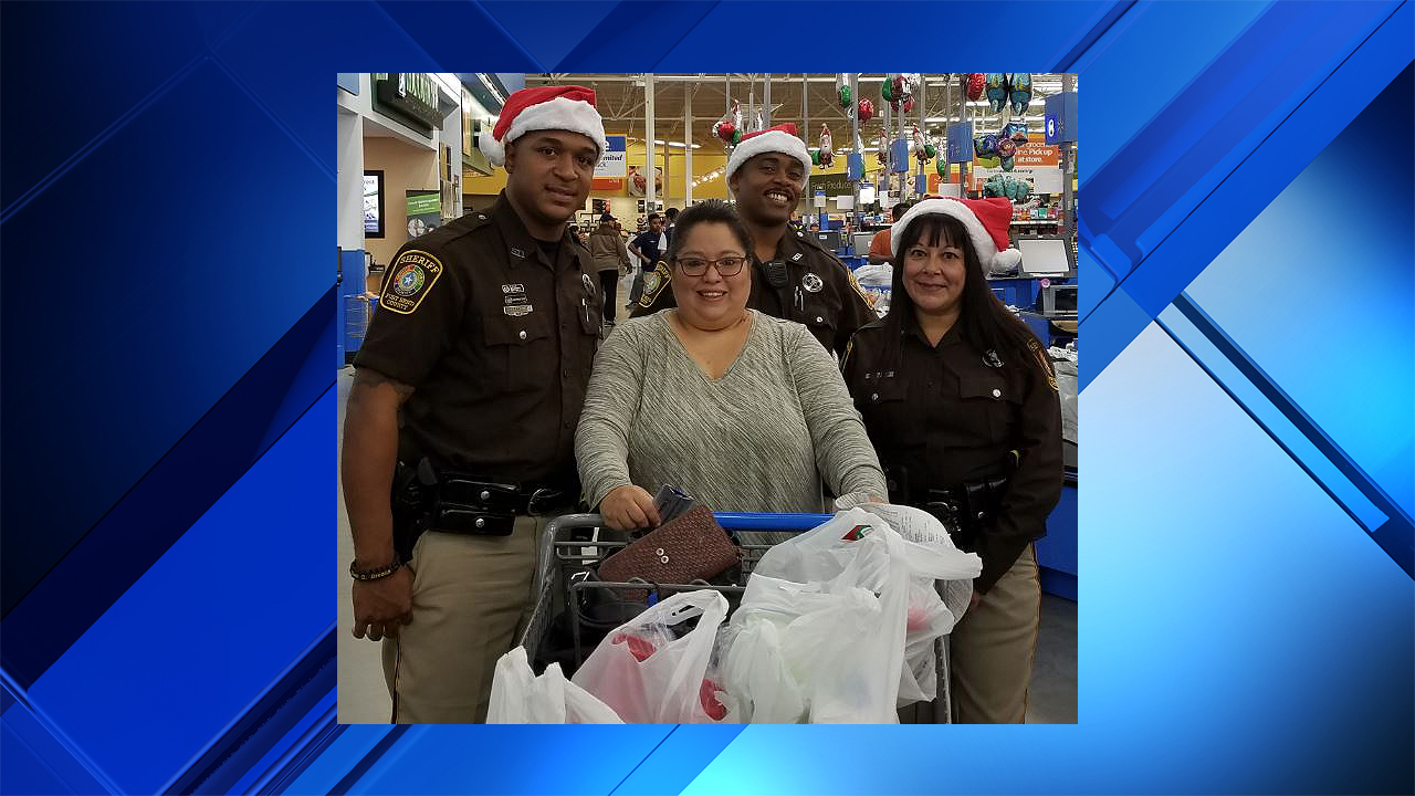 Fort bend county deputies spread holiday cheer to residents