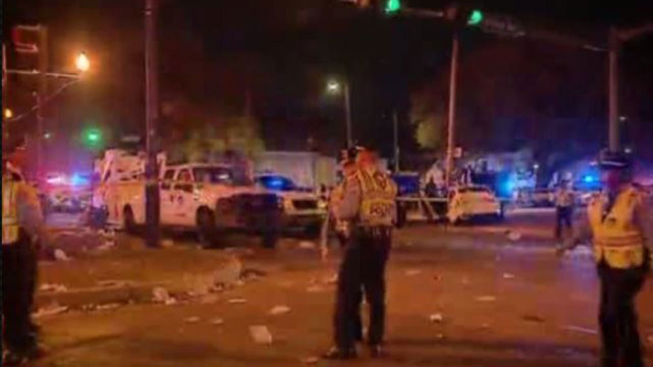 Car Drives Into Crowd New Orleans