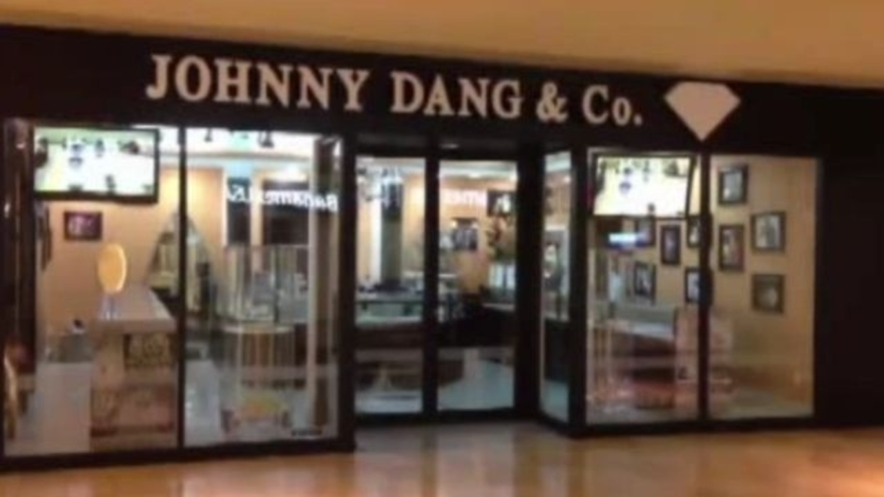Police gold grill designer 39 s jewelry store targeted in heist for Jewelry stores westheimer houston tx