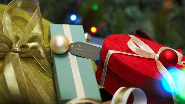 Holiday gift exchange ideas under $20 on Amazon