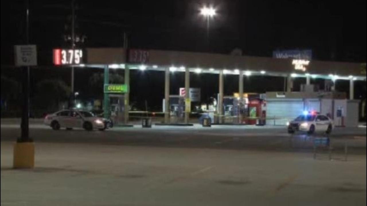 Walmart Gas Station Near Me >> Man Shot Pumping Gas At Walmart
