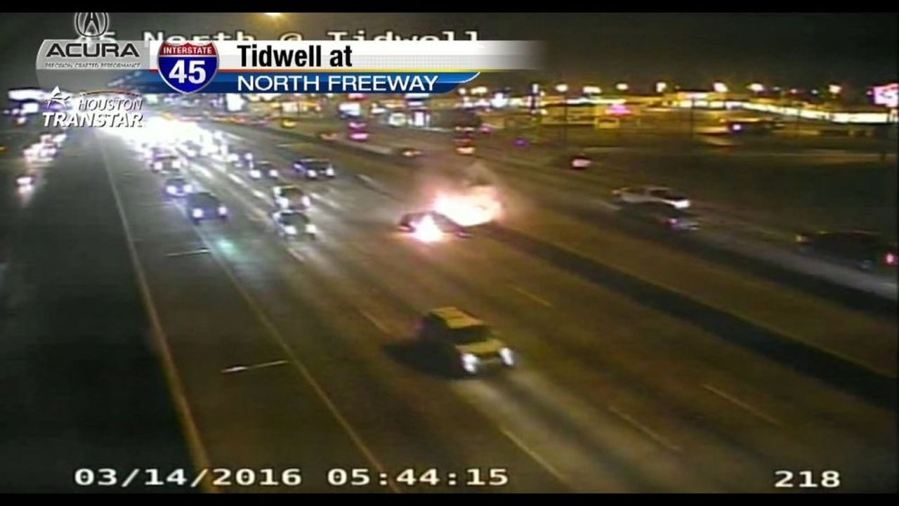 Tow Truck Houston >> Vehicle fire blocks several lanes on North Freeway south at...