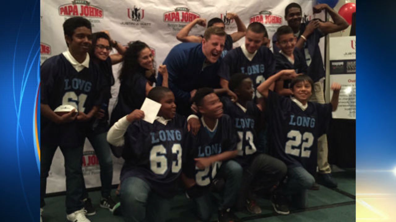 Jj Watt Attends Pizza Party For Jane Long Academy Students