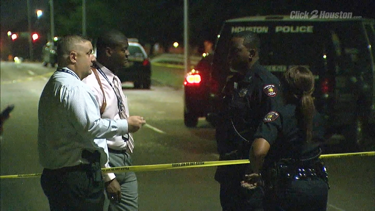 Used Cars Houston >> Investigation underway into body found in Sims Bayou, police say