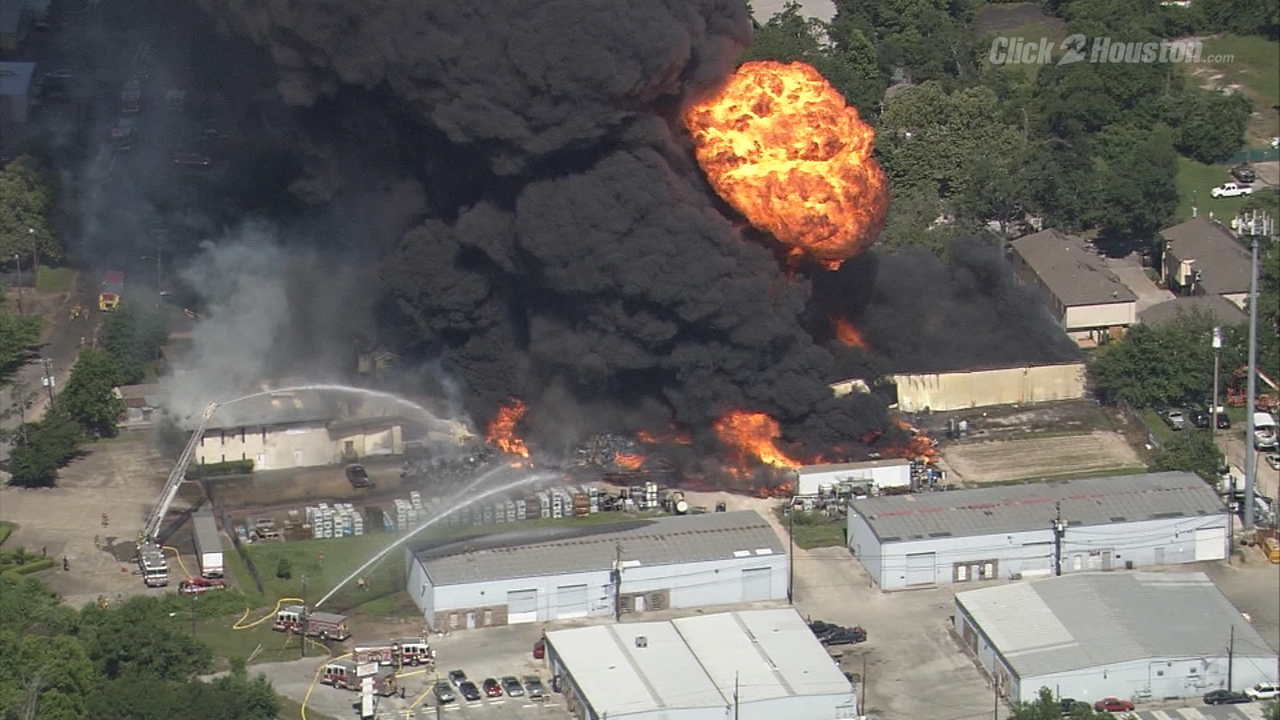 Car Inspection Houston >> Backyard fire ignites massive Texas warehouse blaze
