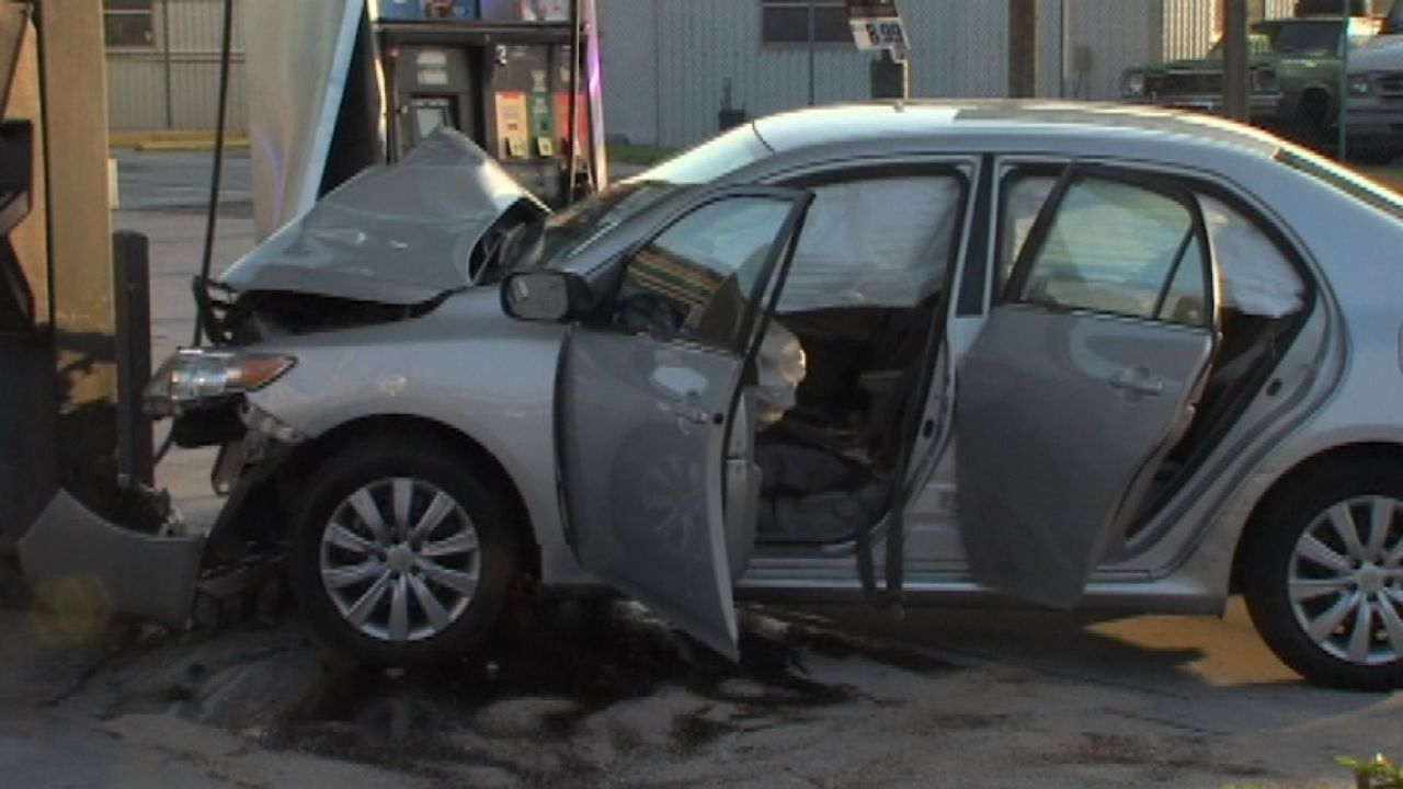 father crashes into gas pump leaves injured children behind