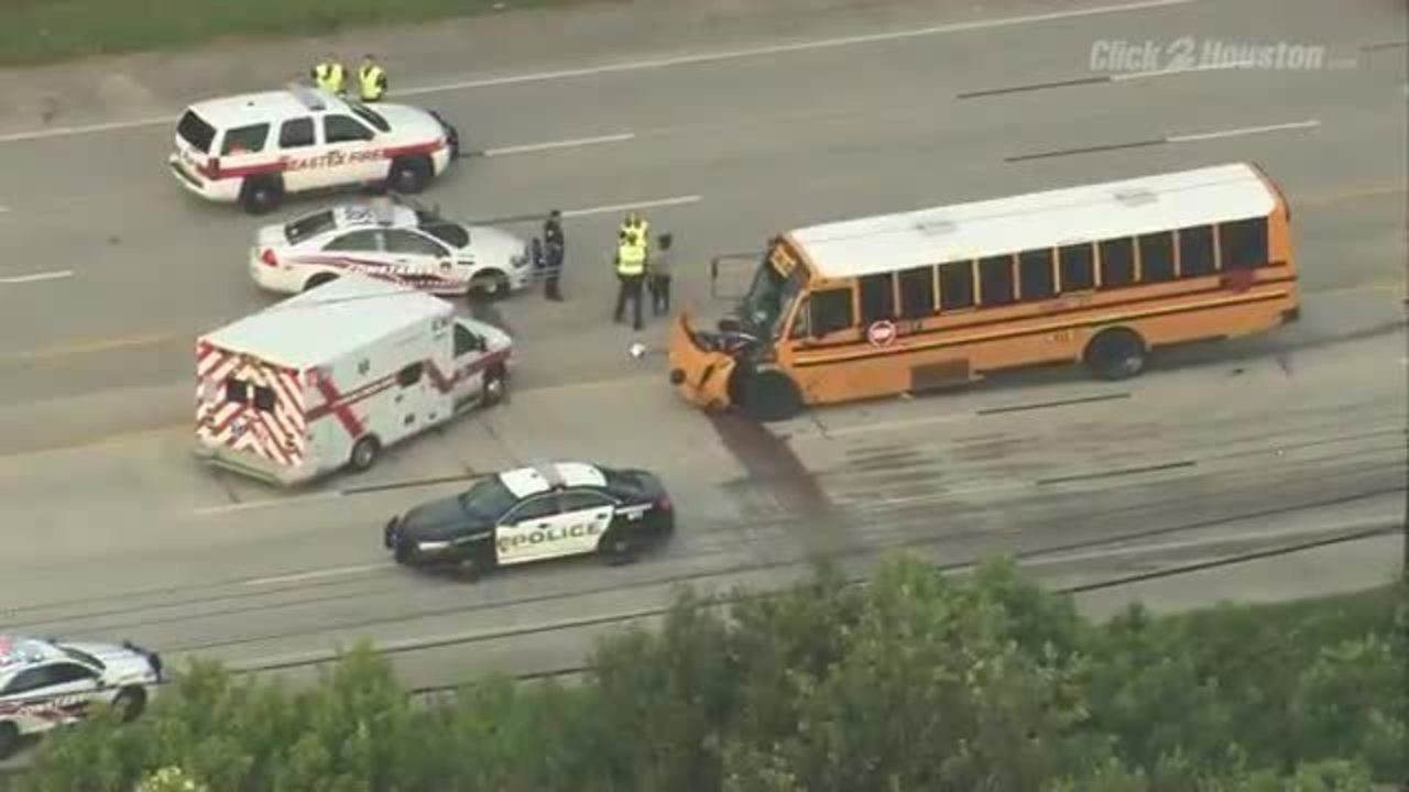 Tow Truck Houston >> 1 dead, 1 injured in crash involving Aldine ISD bus in...