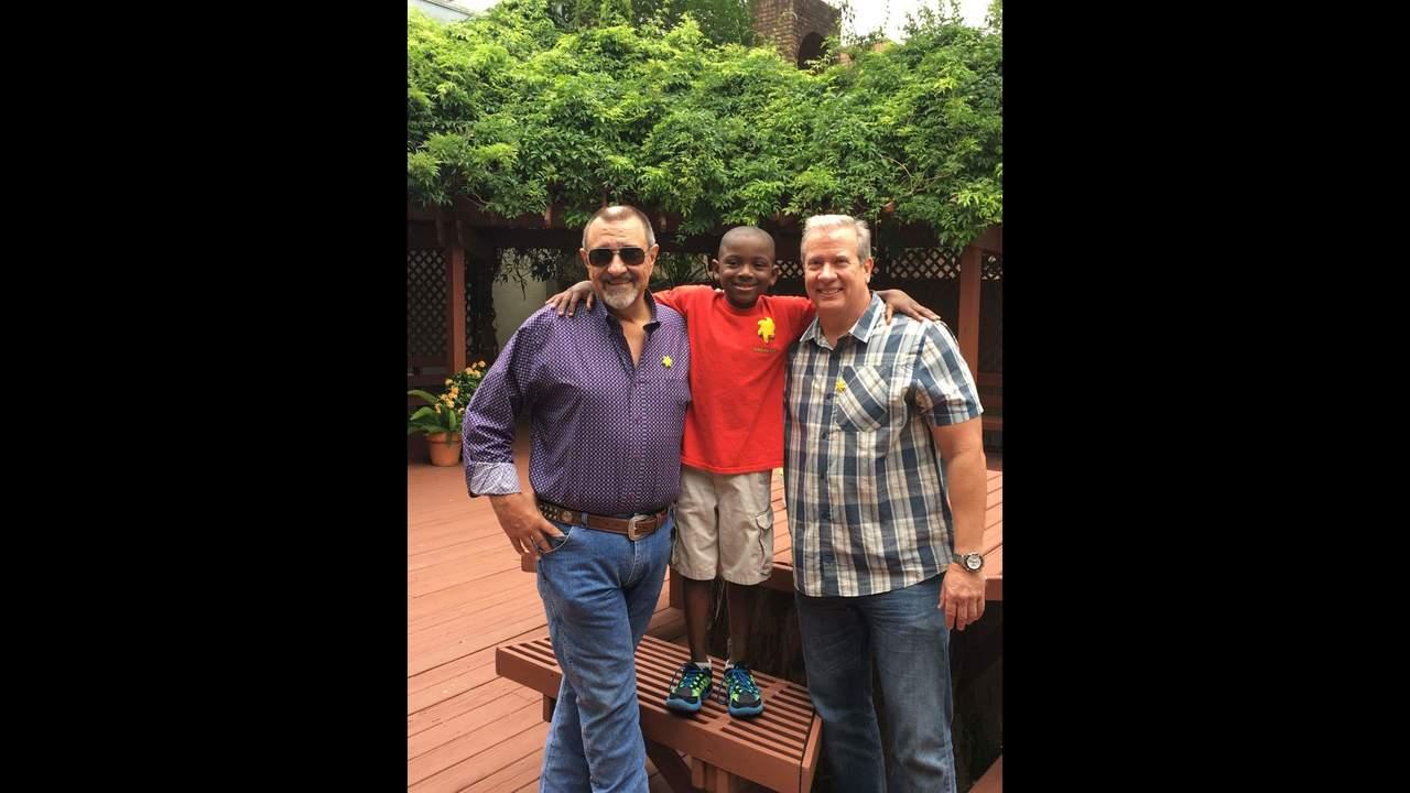 Eyes on Houston: Sunshine Kids Walton & Johnson donation