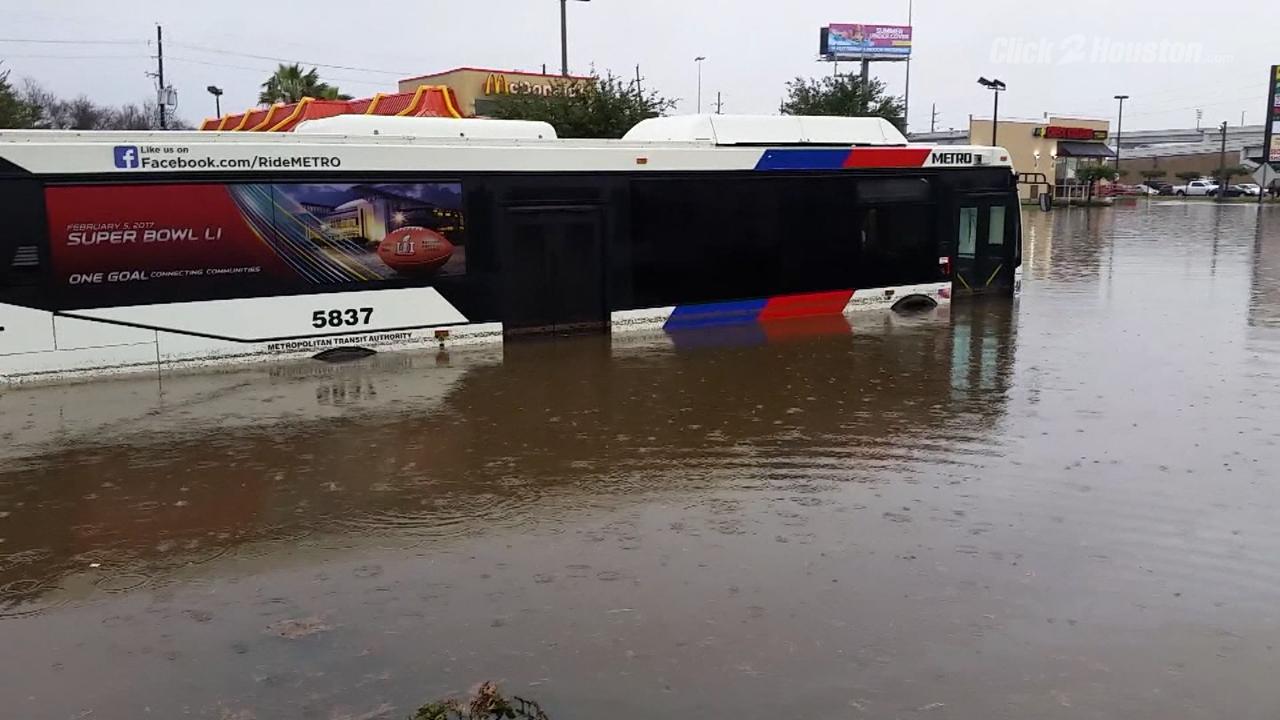 Good Samaritan Helps Rescue Stranded Metro Bus Driver