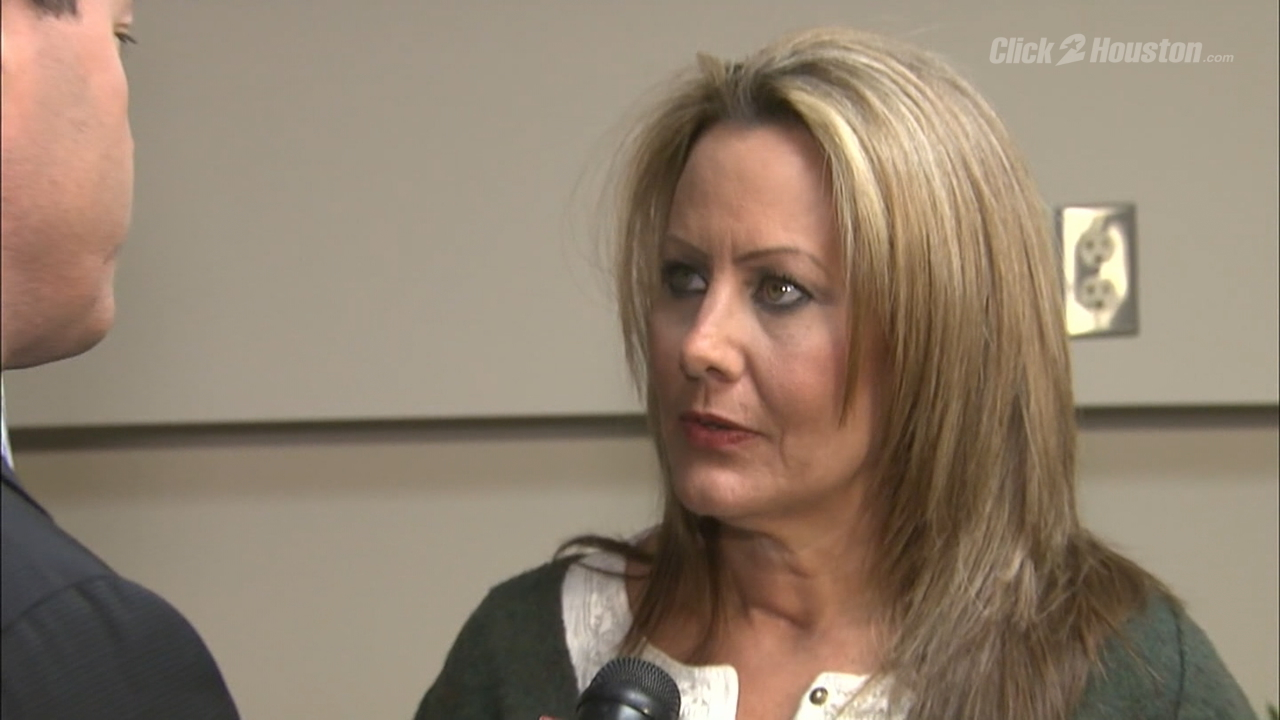 Wife of injured HPD Officer Ronny Cortez speaks with KPRC2