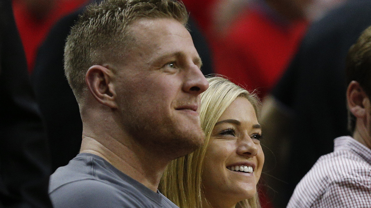Jj Watt Girlfriend Step Out Together At Houston Rockets Game