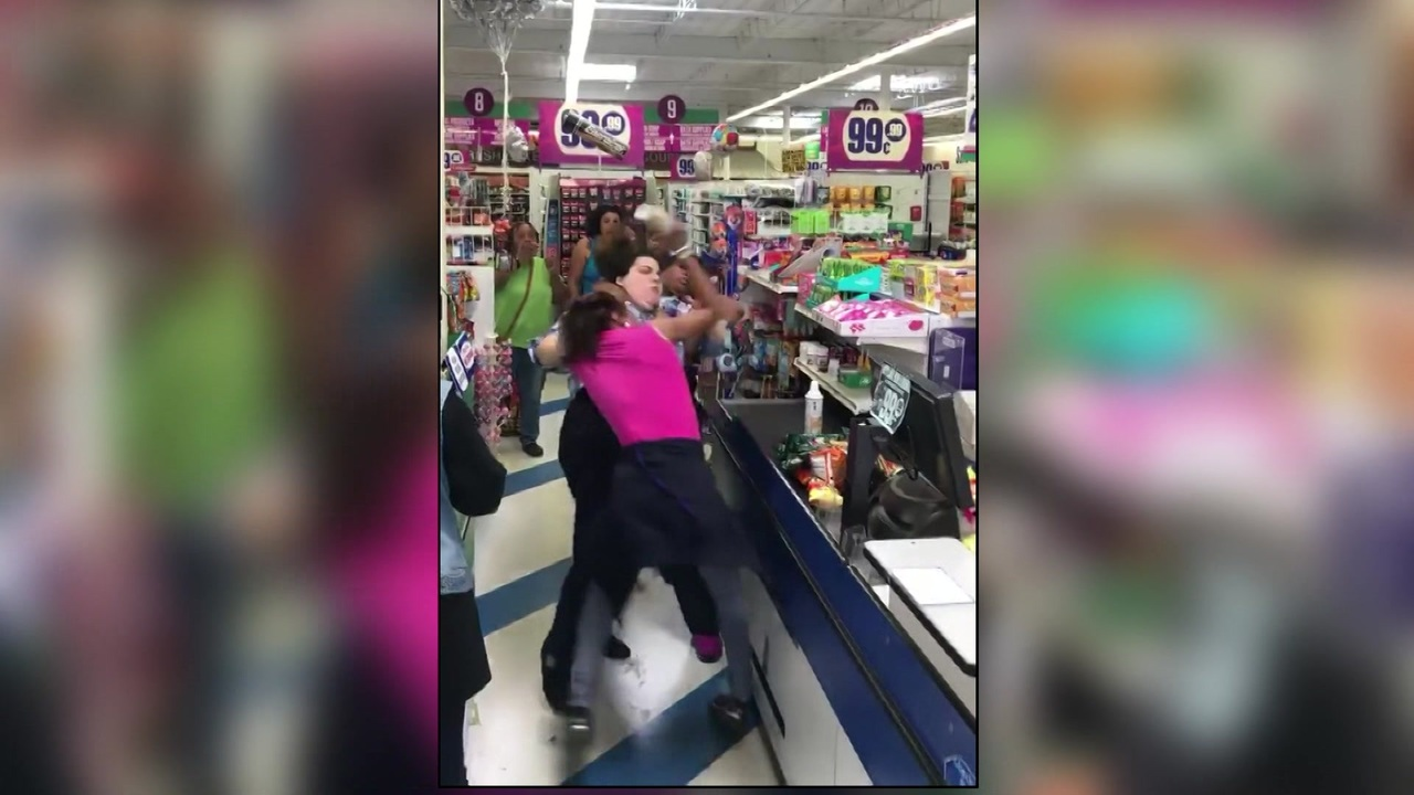 Co Workers Fight About Lunch Break At 99 Cents Only Store