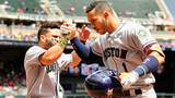 Astros complete comeback with 11-run 8th inning for 16-8 win over Twins