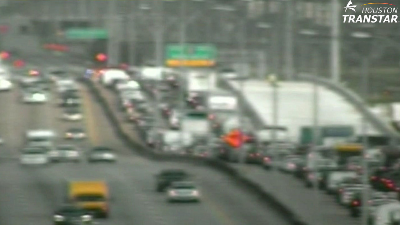 Crash Briefly Closes Westbound Beltway 8 At Westfield Road
