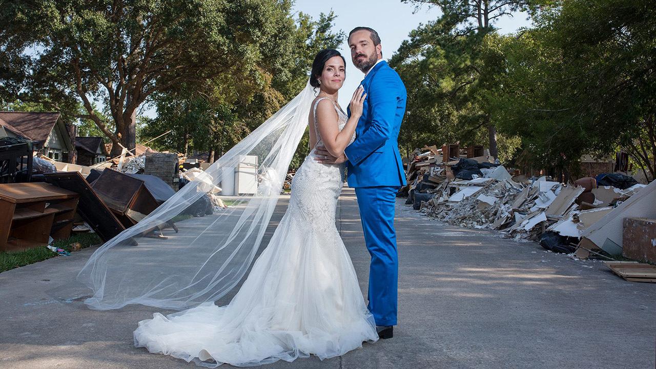 Photos Couple S Generous Gesture Behind Wedding Photo