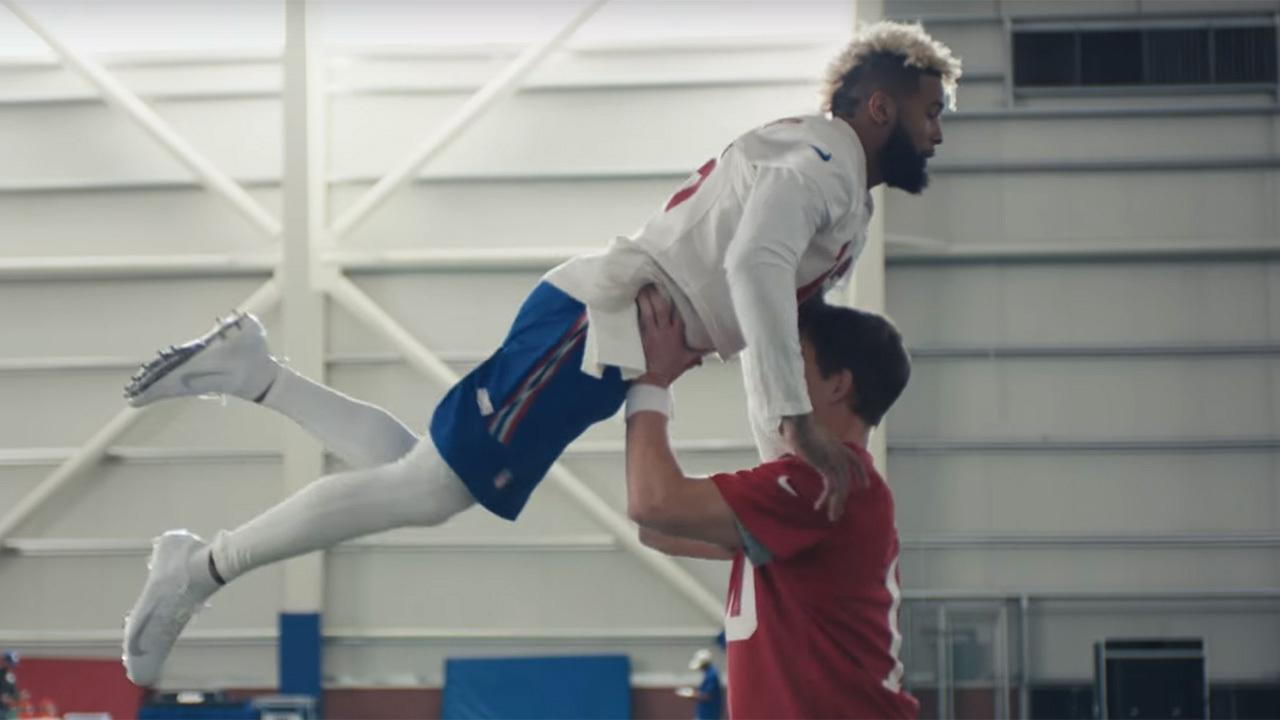 Eli Manning Odell Beckham Jr Rock The Lift In Their