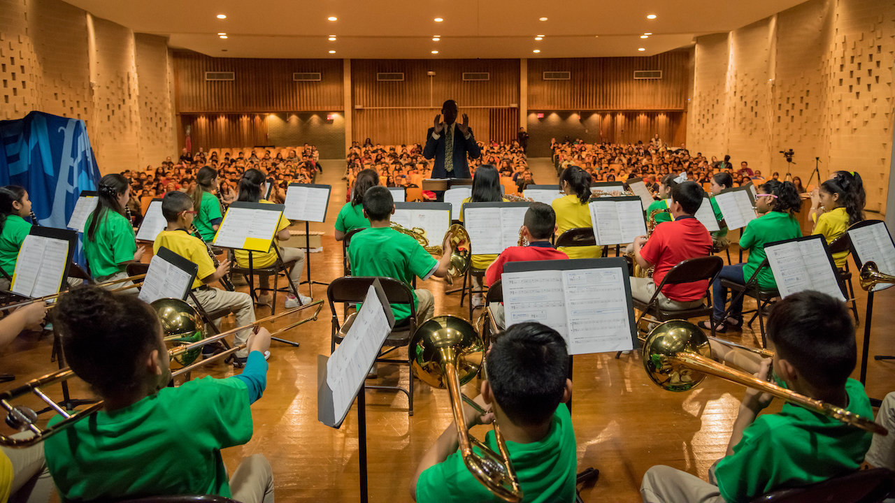 Houston school receives delivery of new musical instruments,...