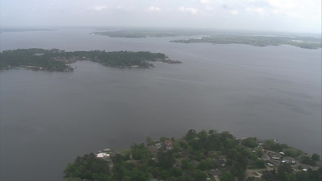 Investigation underway after woman's body found in Lake Conroe