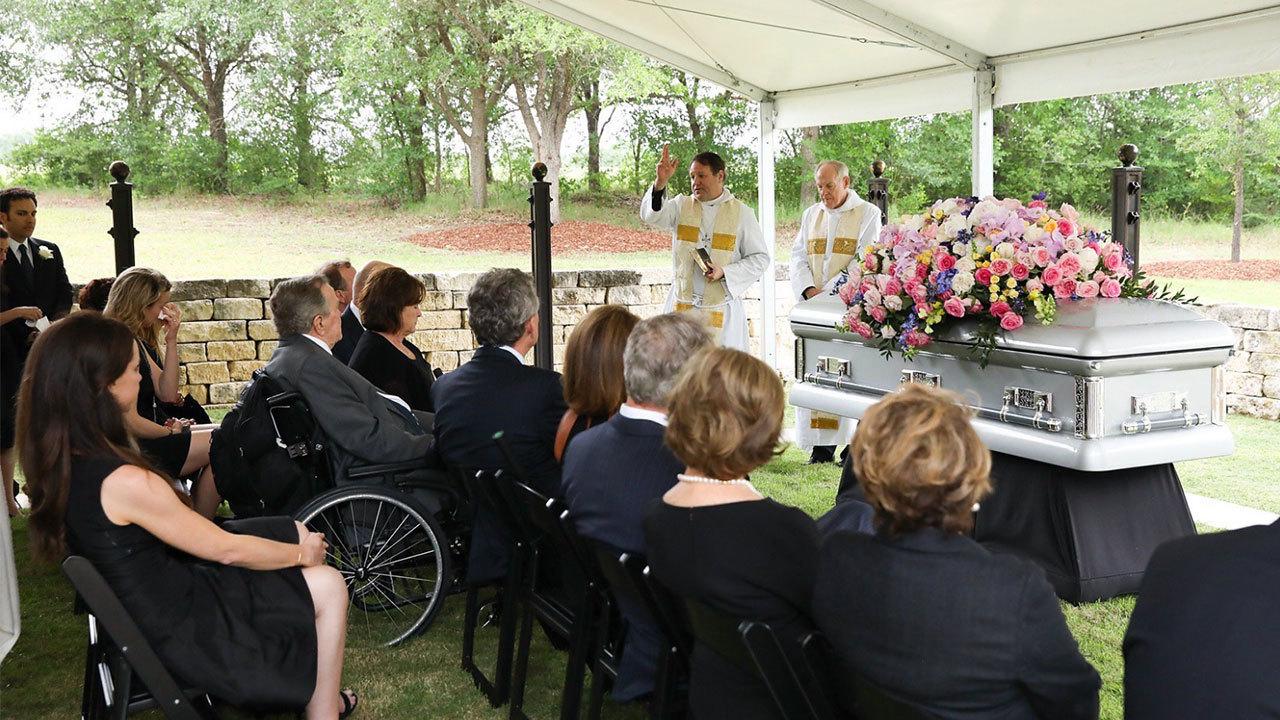 Bush Family Shares Photos Of Barbara Bush S Burial