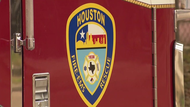Houston firefighter dies at station after suffering medical emergency,…
