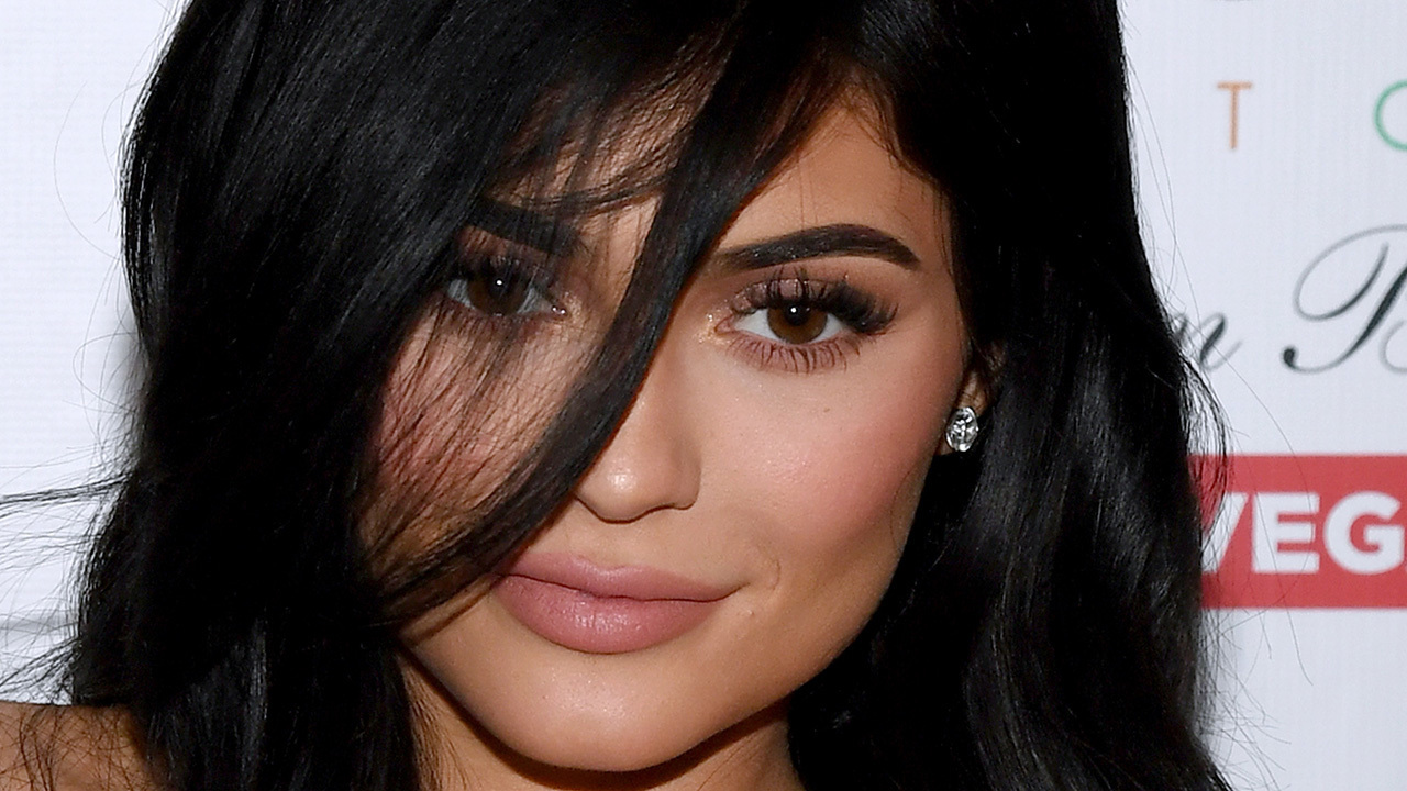 Kylie Jenner Fans Raising Money To Make Cosmetics Mogul A