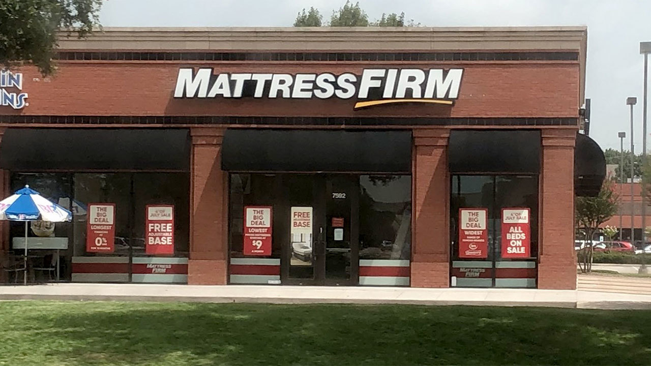 mattress firm manager finds employee s body in houston store