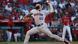 Keuchel takes no-hitter into 7th, Astros top Angels 3-1