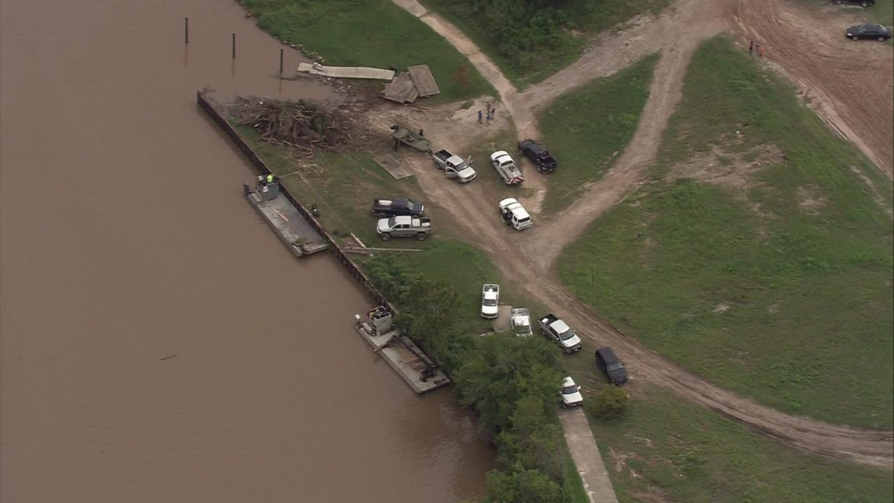 body found in buffalo bayou east of downtown houston