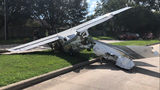 DEA plane with 3 agents on board crashes into vehicles near Sugar Land