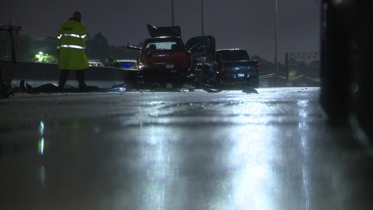 2 killed in crash that closed East Beltway for hours