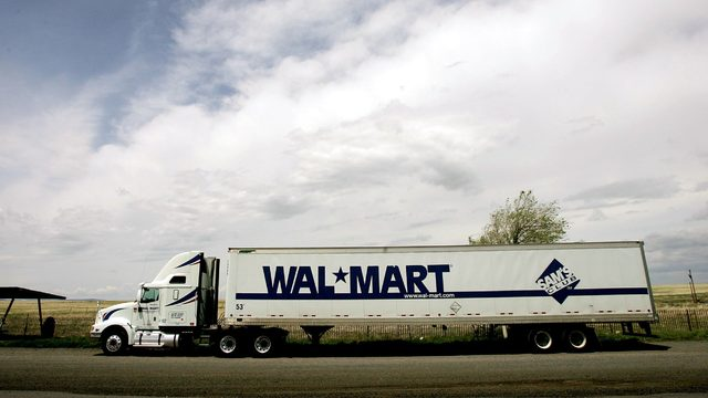 Walmart to pay drivers nearly $90,000, and company's hiring