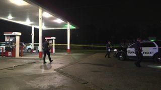 2 shot outside northwest Houston gas station, 1 dies, police say