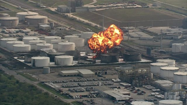 Explosion sends flames, smoke into sky at ITC Deer Park tank farm