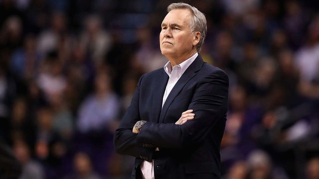 Rockets coach Mike D'Antoni, agent back in talks of new contract extension