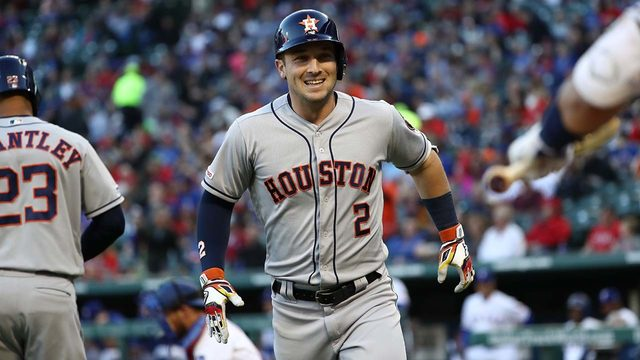 Verlander, Astros win 7-2 at Rangers after 2 quick homers