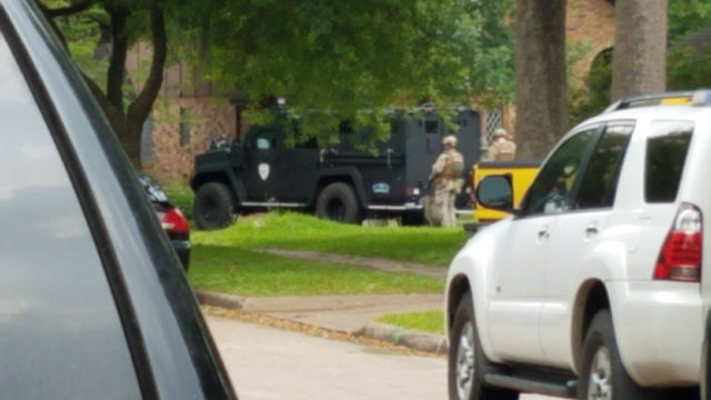 Burglary suspect surrenders after hourslong SWAT standoff in northwest Houston