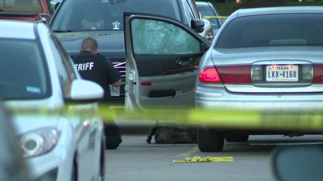 Man shot to death in parking lot of NW Harris County fast-food restaurant