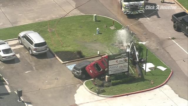 SKY 2 flies scene of major crash in north Houston