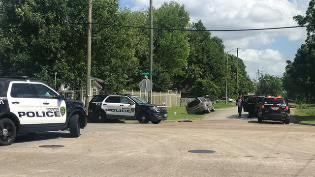 Chase suspect crashes into HPD unit in northeast Houston