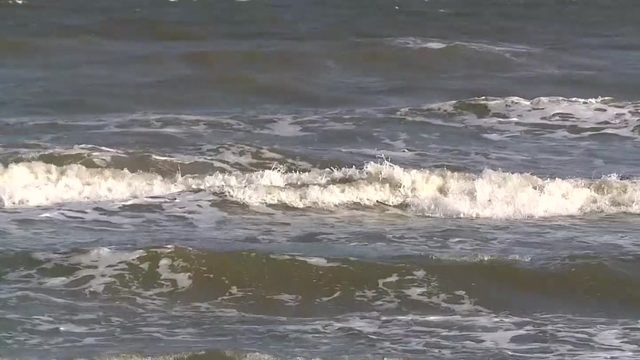Officials resume search for swimmer who went missing in Surfside Beach