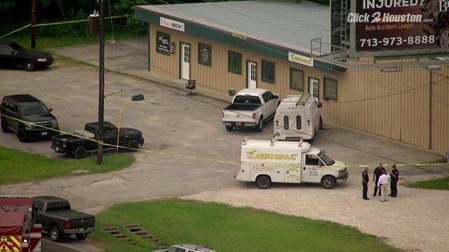 SKY2 flies over scene of officer-involved shooting near Cleveland