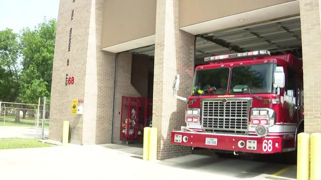 Southwest Houston fire station's leaky roof still needs fixing