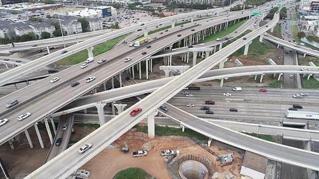 Traffic headache: SW Freeway main lanes to be reduced near West Loop…