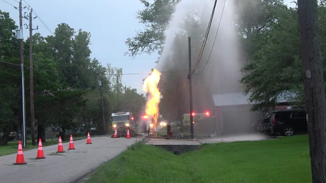 Multiple workers injured in gas line explosion in Santa Fe