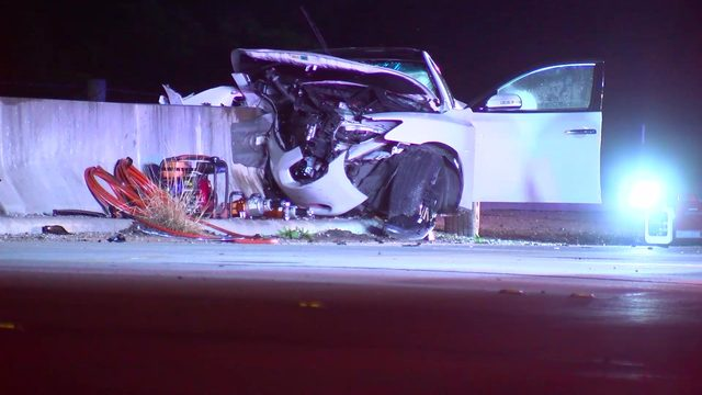 1 dead, 3 injured in single-vehicle crash in Fort Bend County